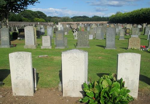 Annan Cemetery, 3 War Graves