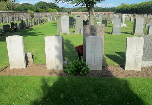 Annan Cemetery 4 More War Graves