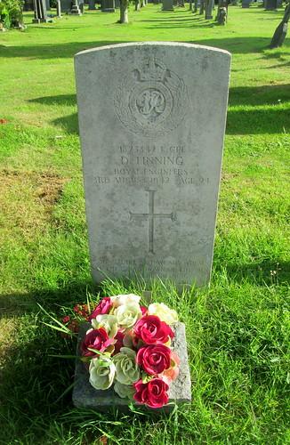 World War 2 Grave, Annan