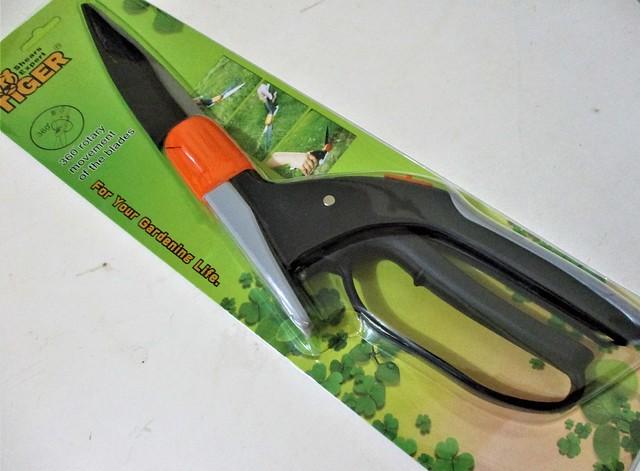 Made-in-Taiwan garden shears