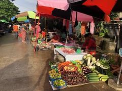 ローカル市場でお買い物 (7)