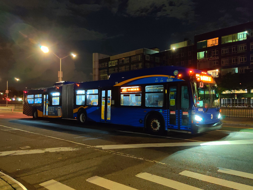 """2019 New Flyer """"Xcelsior"""" XD60 6250 on the Q60 at Queens Boulevard & 57th Avenue"""