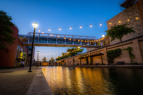 sony alpha a7riv a7rm4 tamron 1728 lens indianapolis indiana landscape cityscape long exposure city canal night life travel midwest united states