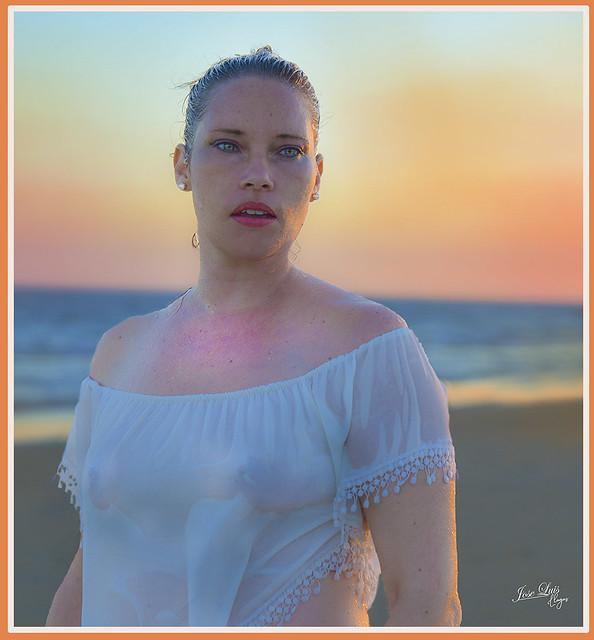 Emma-Gonzalez-agua
