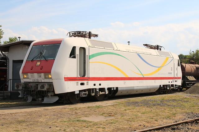 TEV: ADtranz Prototyp-Ellok 128 001-5 im Eisenbahnmuseum Weimar