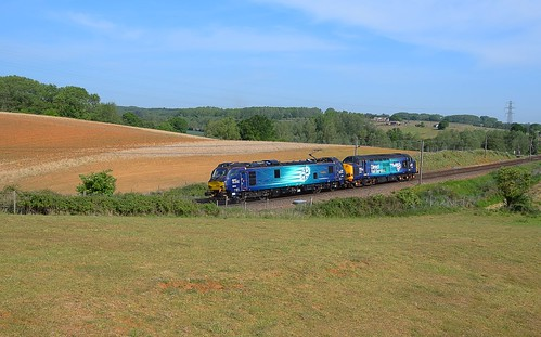 trains railway greateasternmainline geml electric overhead cable ohc catenary traction loco locomotive diesel engine class37 drs class88 fields blue sky trees rurallandscape scenic pylons powerlines