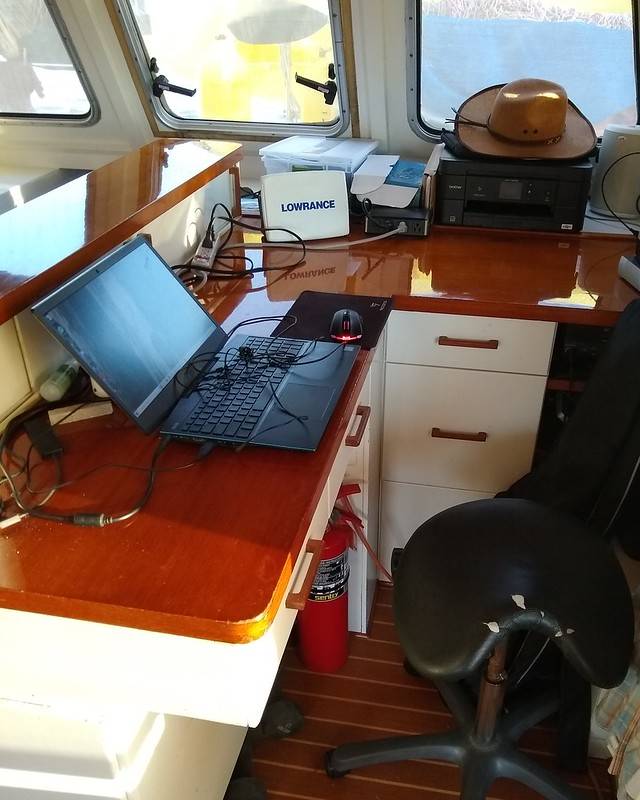 Nav station/desk
