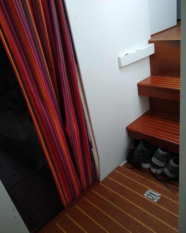 Port hull companionway/engine hatch stairs