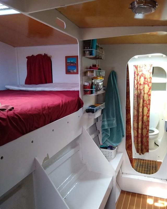 Master cabin, starboard forward