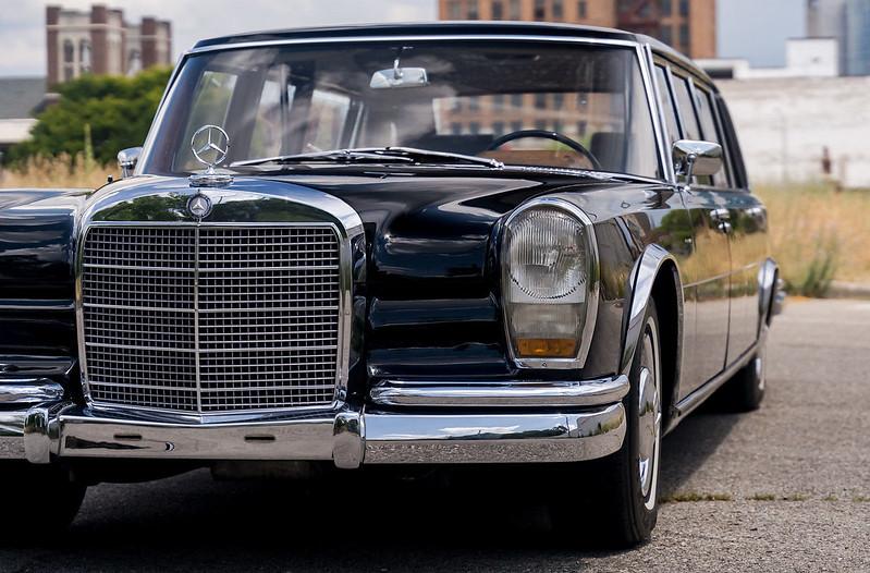 Mercedes-600-LWB-Pullman-4