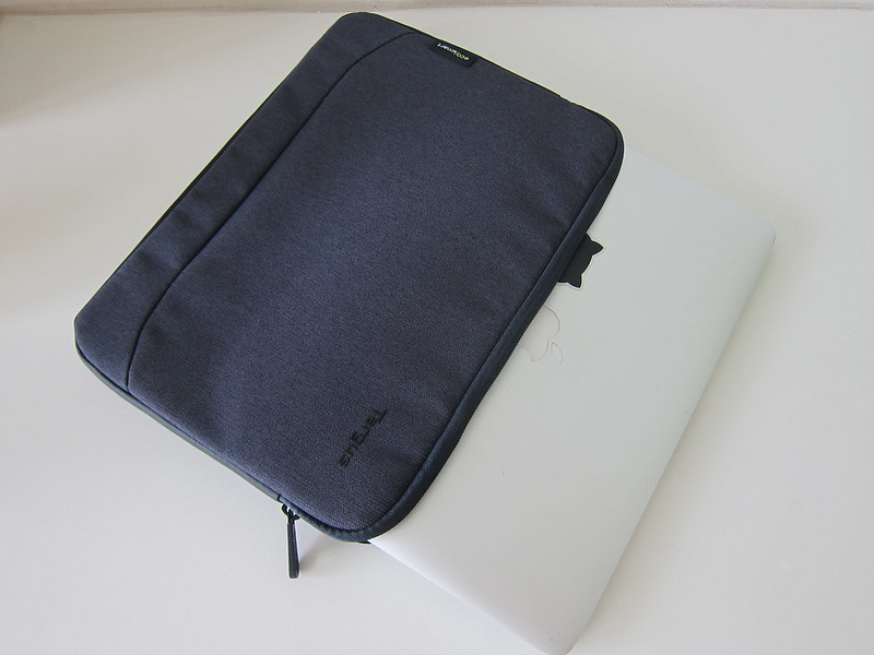 Targus Cypress EcoSmart 11 - 12 Inch Sleeve - With MacBook Pro 13 Inch