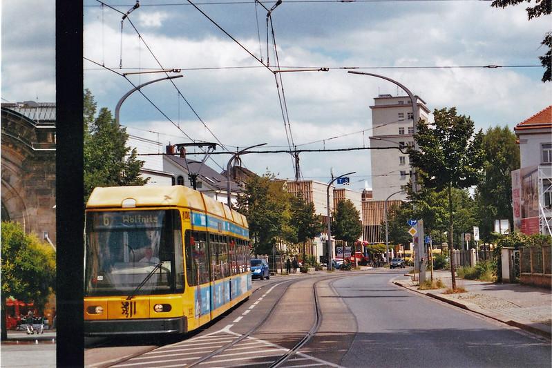 Straßenbahn am Bahnhof Dresden Neustadt