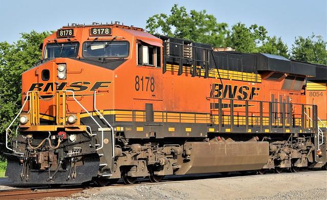 BNSF-8178