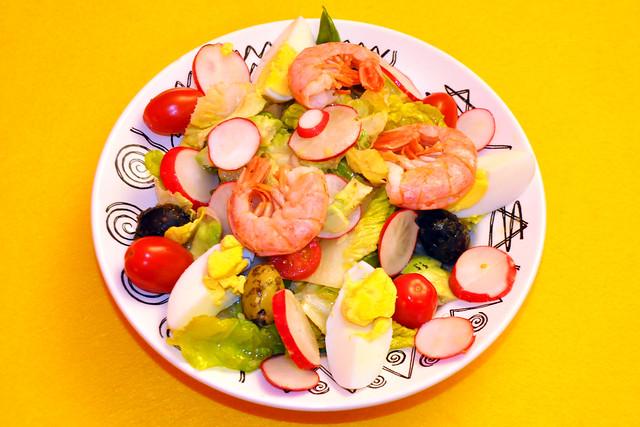 August 2020 ... Frischer bunter Salat bei hohen Sommertemperaturen ... Brigitte Stolle