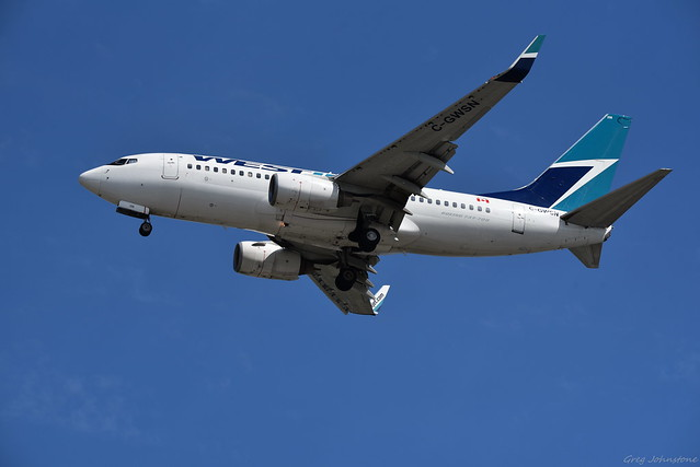 WestJet 737 Landing - 3