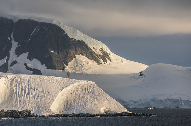 Curved shapes and shadows: sunset in Antarctica