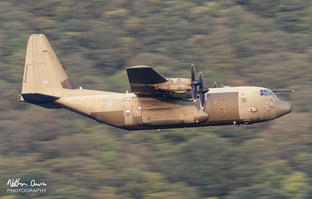 RAF Hercules ZH889 low level in Northern England