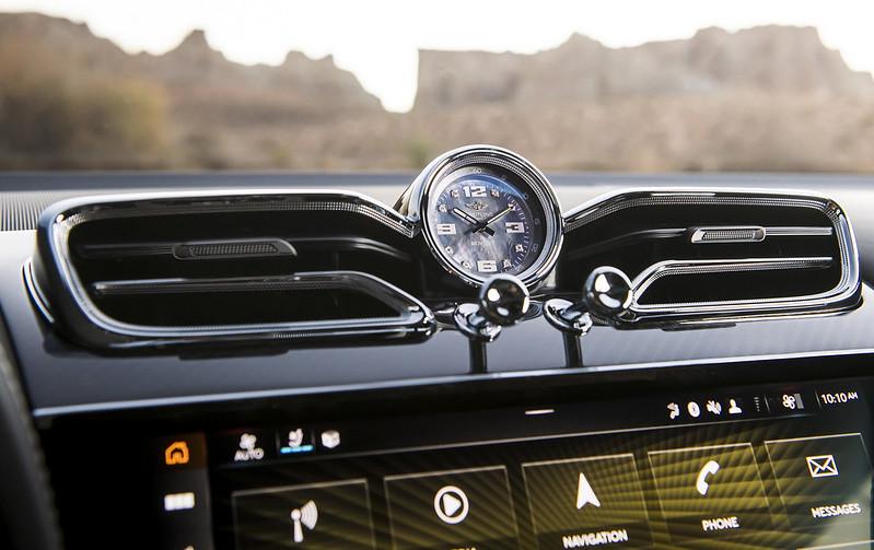2021-Bentley-Bentayga-Speed-14