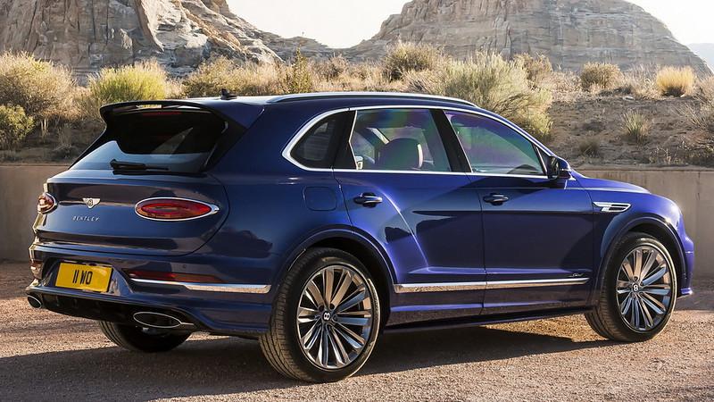 2021-Bentley-Bentayga-Speed-9
