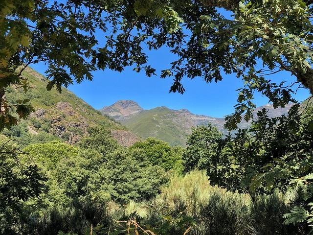 Paisaje del valle de Burbia (Ancares leoneses)