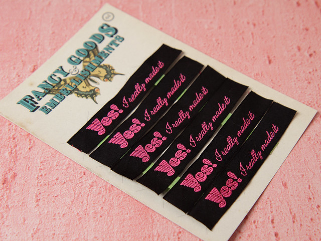 6 x Cotton Woven Labels for handmade items 'Yes, I really made it!' 15mm – black & pink