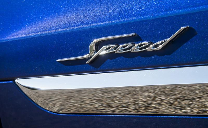 2021-Bentley-Bentayga-Speed-11