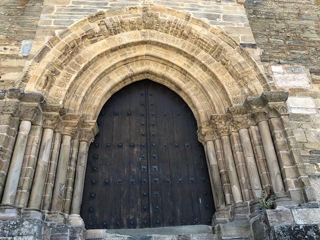 Puerta del Perdón en la iglesia de Santiago Apóstol en Villafranca del Bierzo