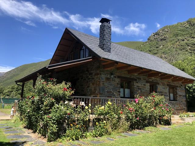 Casa Rural El Salgueiro (Burbia, Ancares leoneses)