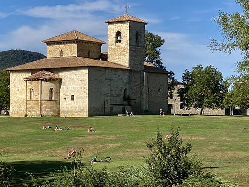 Basílica de Armentia a las 12