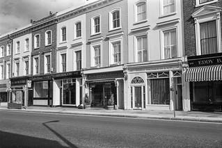 Kensington Church St, Kensington, Kensington & Chelsea, 1987 87-10d-62-positive_2400
