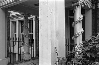Kensington Square,  Kensington & Chelsea, 1987 87-10f-65-positive_2400