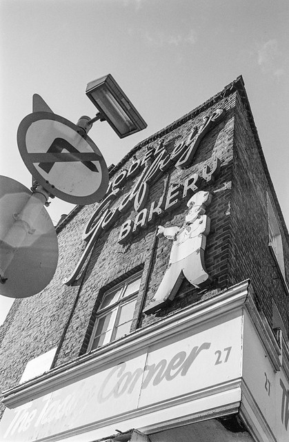 Godfrey's Model Bakery, Arlington Rd, Parkway, Camden, 1987 87-10b-66-positive_2400