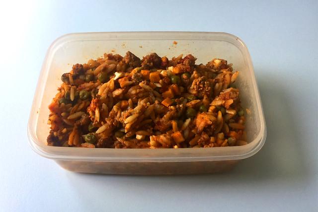 Greek kritharaki casserole with feta - Leftovers III / Griechischer Kritharaki-Hack-Auflauf mit Feta - Resteverbrauch III
