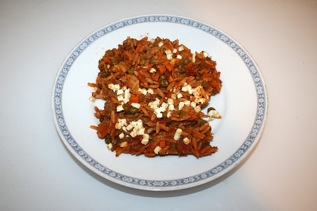 Greek kritharaki casserole with feta - Leftovers I / Griechischer Kritharaki-Hack-Auflauf mit Feta - Resteverbrauch I