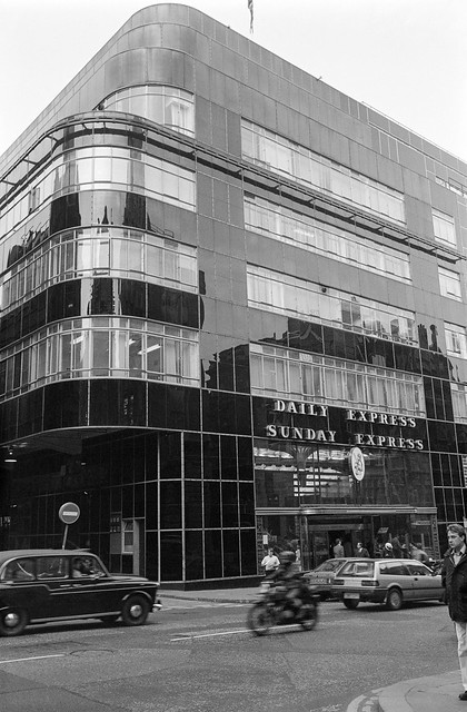 Daily Express, Fleet St, City, 1987 87-10m-11-positive_2400