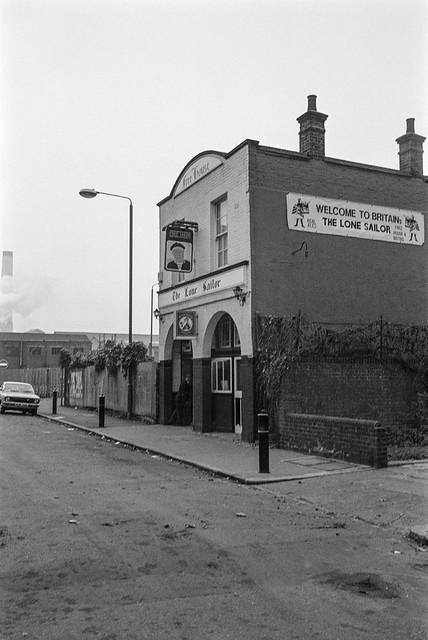 The Lone Sailor, pub, Francis Chichester, Old Loyal Briton, Thames St, Greenwich, 1987 87-10l-35-positive_2400