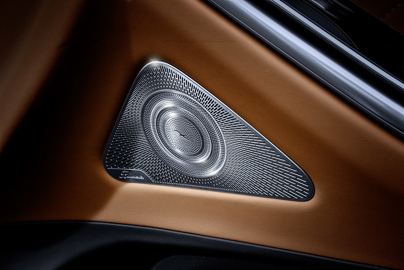 2021-Mercedes-S-Class-Interior-2