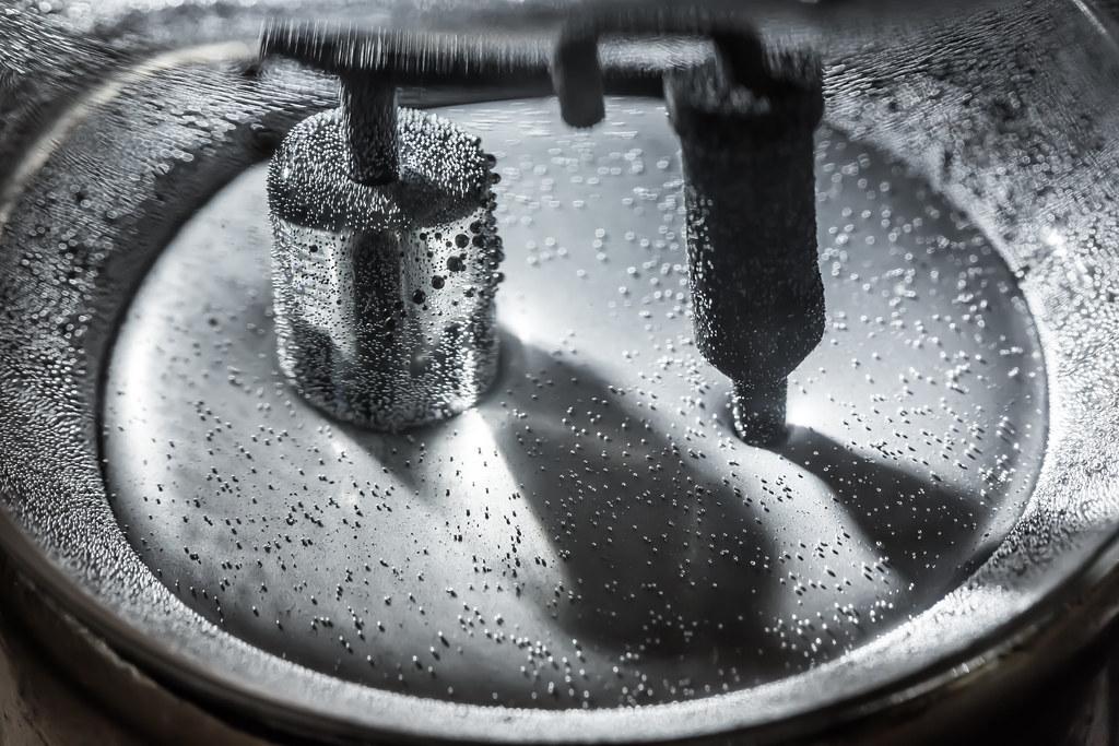 mercury drops on mercury pool