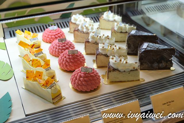 The Champignons Cake Shop (5)