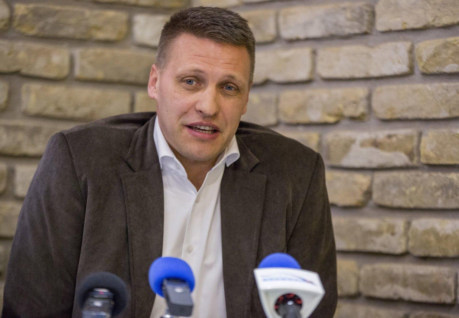 Bartók Csaba elvesztett egy szavazást, aminek megnyerésével már hetekkel korábban büszkélkedett