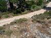 Chemin de Luviu : Fin de la section 14 déjà restaurée avec flèche à gauche pour la suite