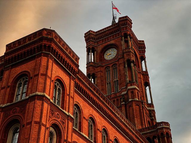 Rotes Rathaus at sunset