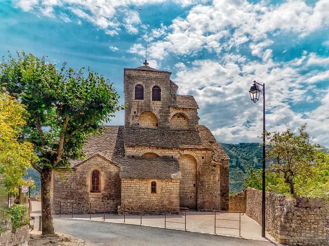 Église Saint-sauveur (Liaucous Aveyron)