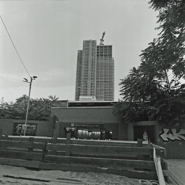 Berlin Baustelle Kreisel Hochhaus 13.8.2020