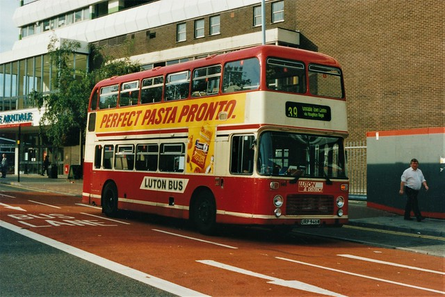Luton and District URP946W
