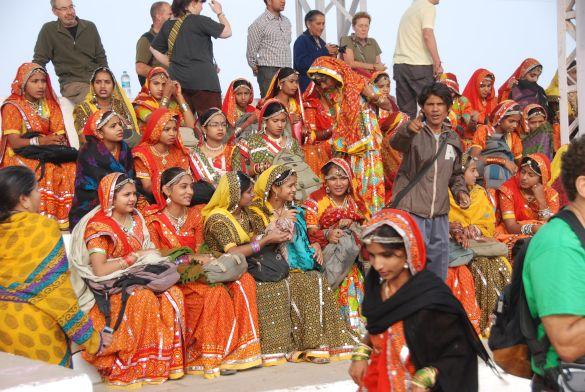 DSC_1793IndiaPushkarStadionDansgroep