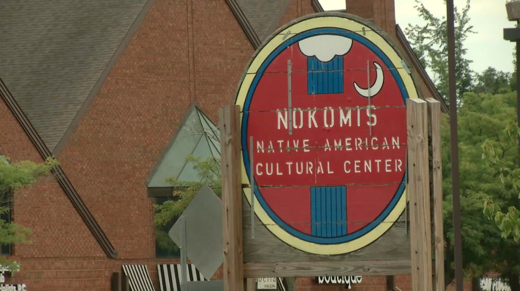 Nokomis Learning Center Hosts Sweetgrass Braiding Event