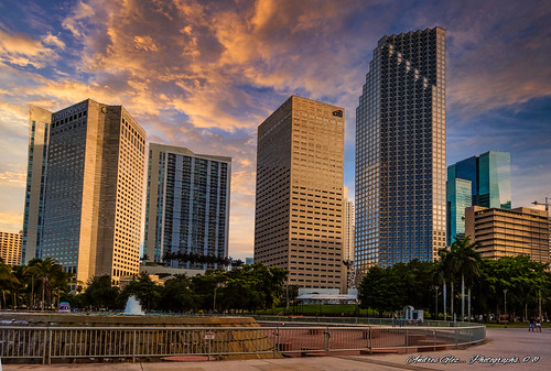 city colors cityscapes urbanexploration bayfrontpark walkingaround architecture afternoon outdoors miamifl miamicity