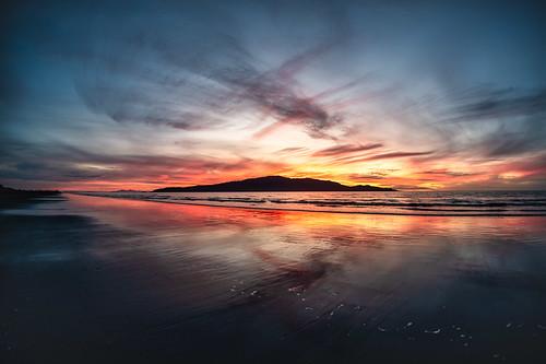 reflection 16mm z6 manualfocus sunset waikanaebeach duskwalk silhouette kapitiisland fantasticnature flickrunitedaward