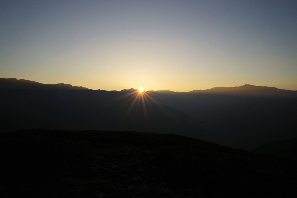 太郎平~北ノ俣岳稜線からご来光